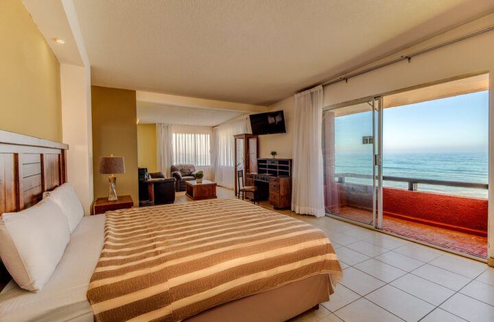 Ocean Front King with Balcony AC (DLXK A.C.)