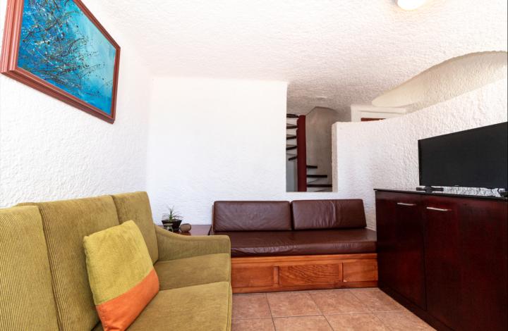 1 bedroom Ocean Front Villa 2nd Floor with AC